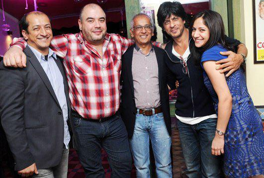 Jai With Sam,Diego,Shahrukh And Arja Strike A Pose At His Birthday Bash