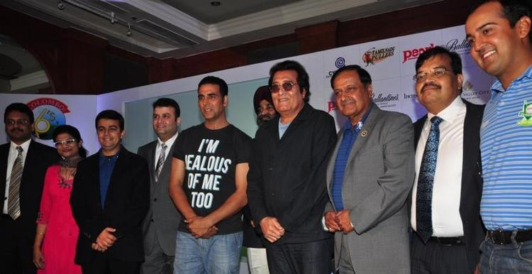 Akshay And Binod With Guests Pose For Camera At Golf Premiere League