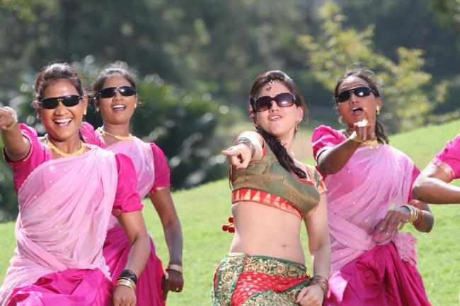 Aksha Pardasany Awesome Dance Photo Still From Movie Rye Rye