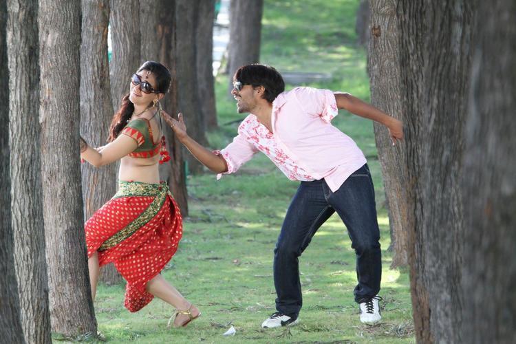 Srinivas And Aksha Dancing Photo Still From Movie Rye Rye