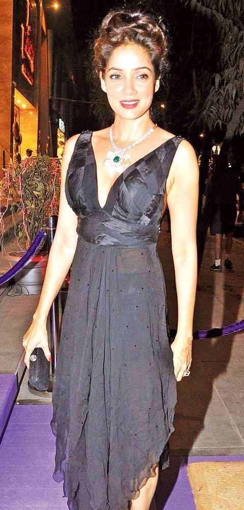 Vidya Malvade Looks Pretty In Black At Pradeep Jethani's Jet Gems Store Launch