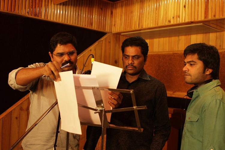 Tamil Star Simbu Sings For Back Bench Student Movie