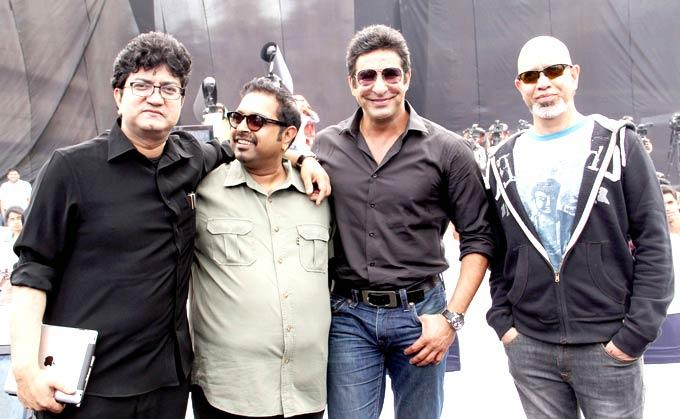 Prasoon,Shankar,Wasim Akram And Loy Pose For Camera At The Anthem Release Of A Luxury Sedan Brand