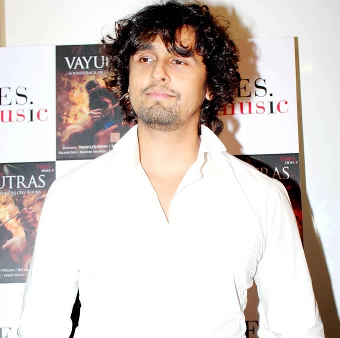 Sonu Nigam Snapped At The Launch Of Vayuputras The 1st Ever Musical Soundtrack Of A Book Series