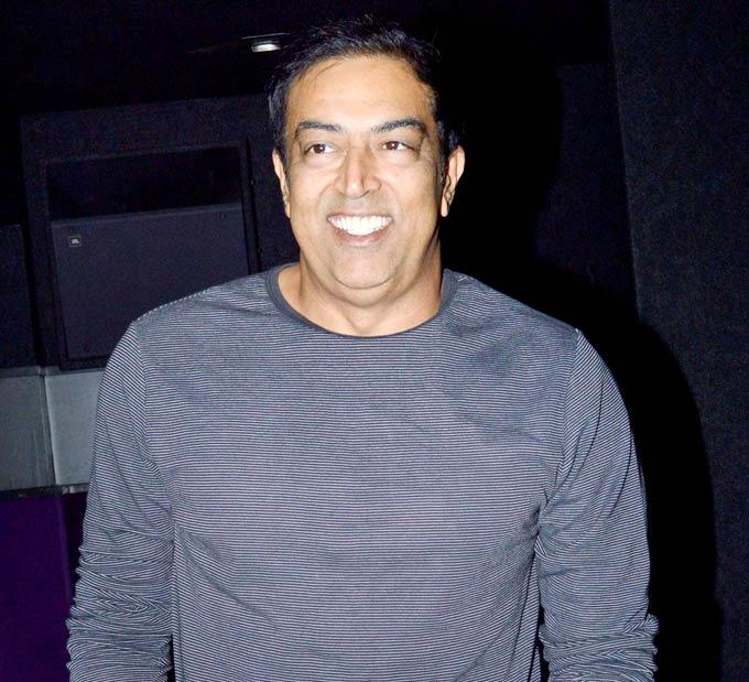 Vindoo Dara Singh Smiling Photo Still In An Event