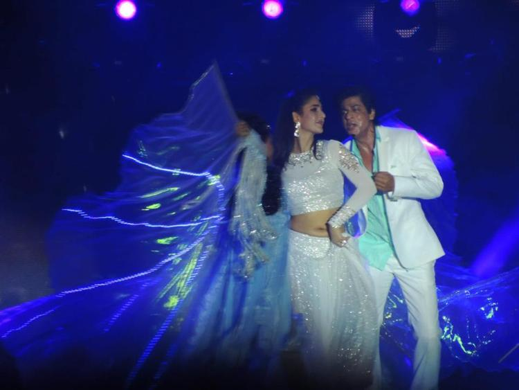 Katrina And Shahrukh Perform In A Song At Temptation Reloaded Concert  Event