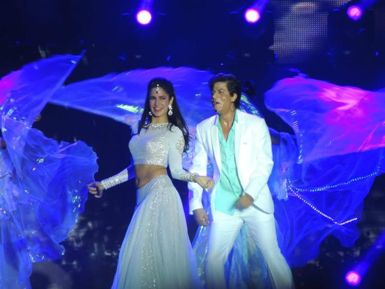 Katrina And Shahrukh Rocking Performance At Temptation Reloaded Concert  Event