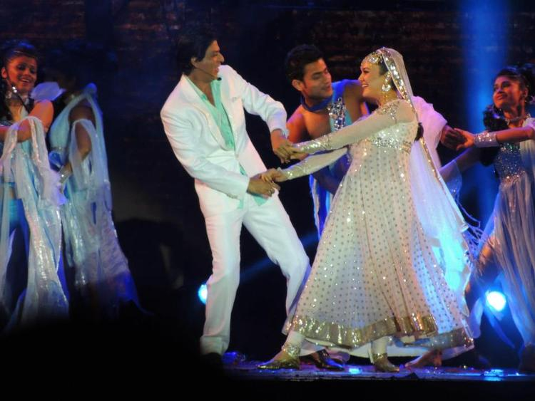 Shahrukh And Preity Dance In A Song At Temptation Reloaded Concert  Event