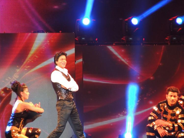 Shahrukh Cute Expression Photo Clicked At Temptation Reloaded Concert  Event