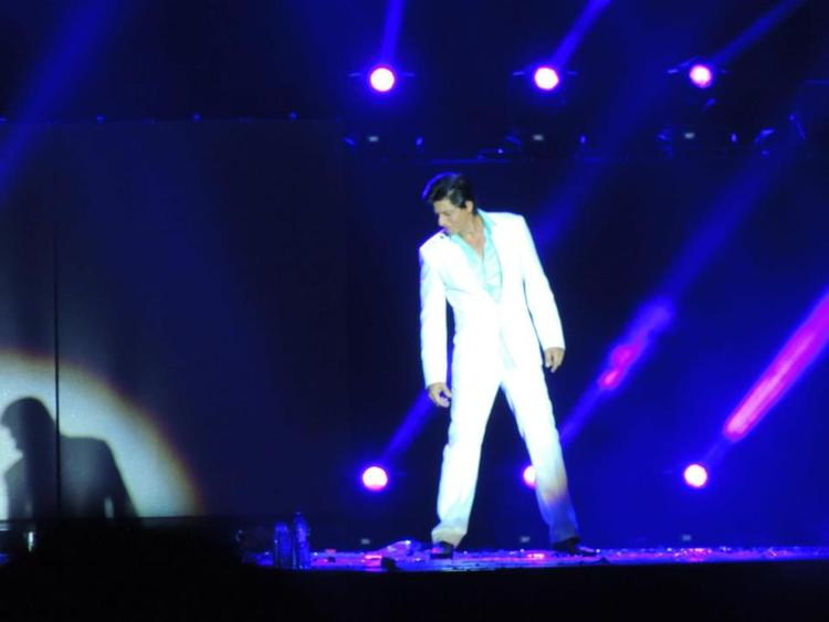 Shahrukh In Lover Boy Style At Temptation Reloaded Concert  Event