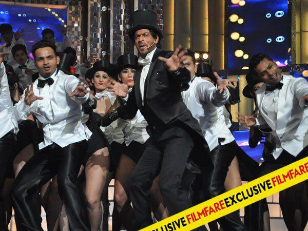 SRK Rocked In Stage At 58th Idea Filmfare Awards 2013