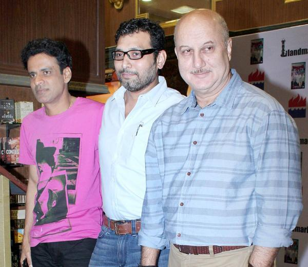 Manoj,Neeraj And Anupam Posed For Camera At Special 26 Book Launch