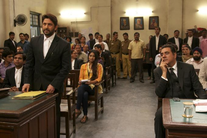 Arshad And Boman In Court Still Form Jolly LLB Movie