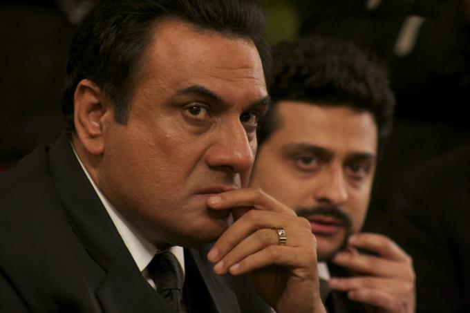 Boman Irani Deep In Thought Still From Jolly LLB Movie