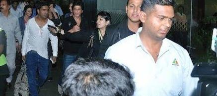 Shahrukh Khan Snapped At Mumbai Airport