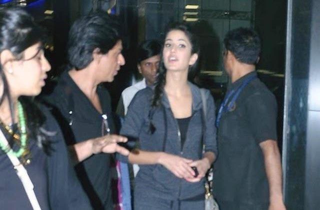 SRK And Katrina Cool Chatting Look At Mumbai International Airport
