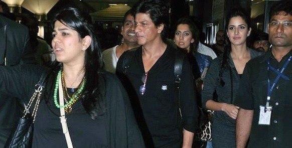 SRK And Katrina Walks In At Mumbai Airport Return From Muscat