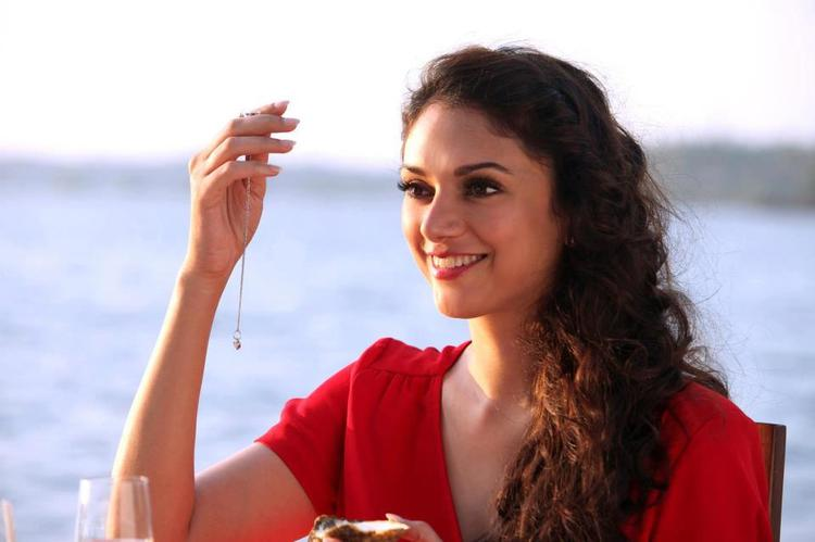 Aditi Rao Hydari Cute Smiling Photo Still From Movie Murder 3