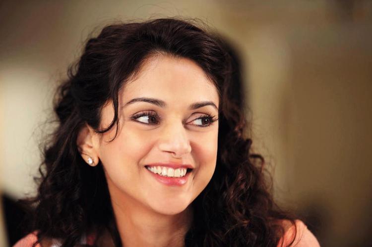 Aditi Rao Hydari Stunning Look Photo Still From Movie Murdef 3