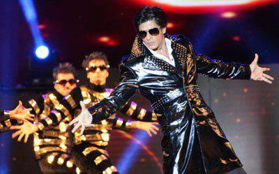King Khan Handsome Look During Stage Performance At Temptations Concert In Muscat 2013