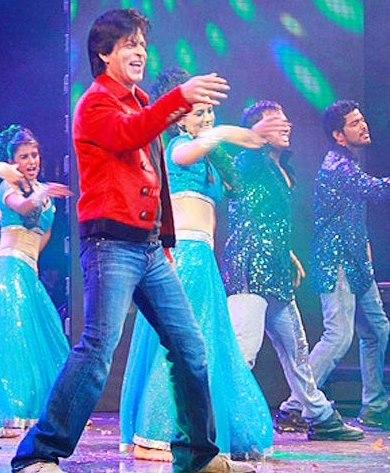 Shahrukh Khan Cool Performance At Temptations Concert In Muscat 2013