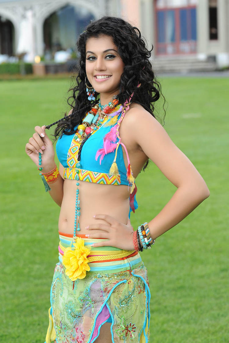 Taapsee Pannu Smiling Look Still From Shadow Movie