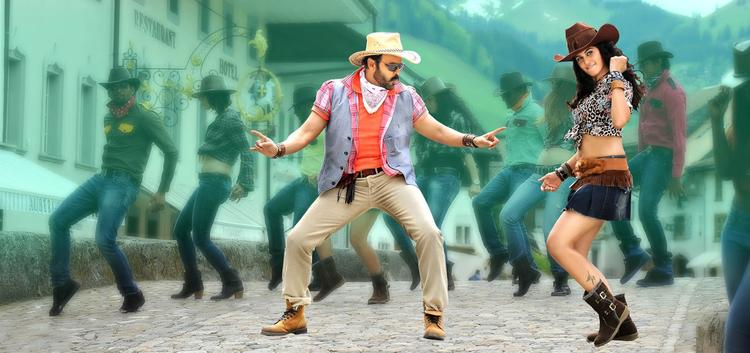 Venkatesh And Taapsee Dancing Still From Shadow Movie