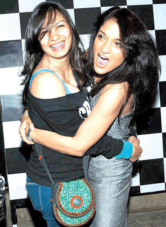 Maria Goretti And Sandhya Mridul Cool Hugging Pose At One Billion Rising Bash 2013