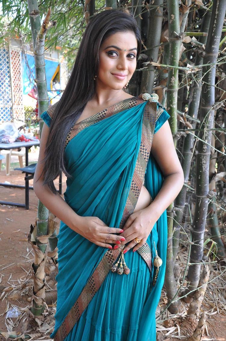 Poorna In Saree Dazzles At Telugulo Naaku Nachani Padam Prema Movie Opening Event