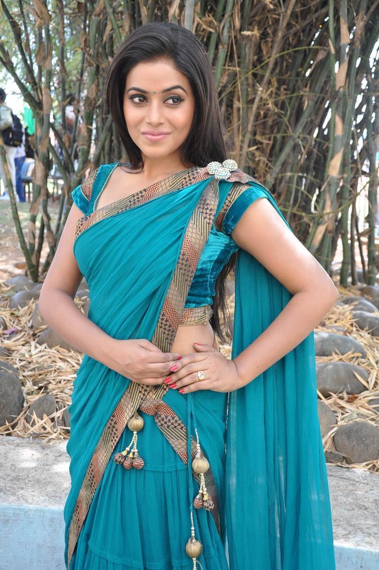 Poorna In Saree Trendy Look At Telugulo Naaku Nachani Padam Prema Movie Opening Event