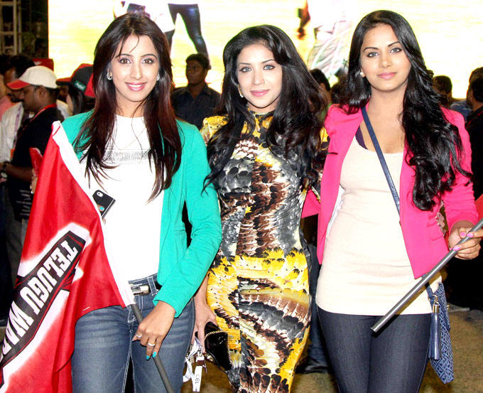 Sanjjanaa And Richa Posed For Camera At CCL 3 Match In Hyderabad