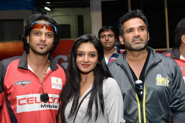 Sunil And Vimala Posed For Camera At CCL 3 Telugu Warriors Vs Mumbai Heroes Match