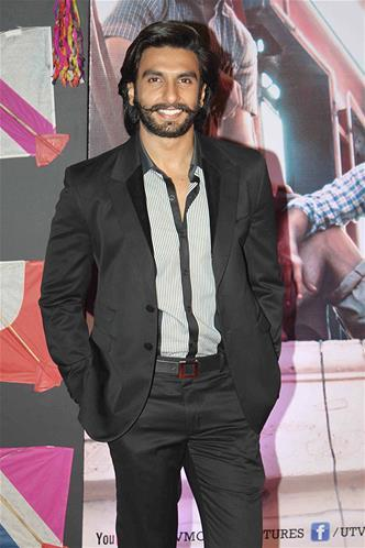 Ranveer Singh Flashes A Smile At Kai Po Che Premiere Show Event