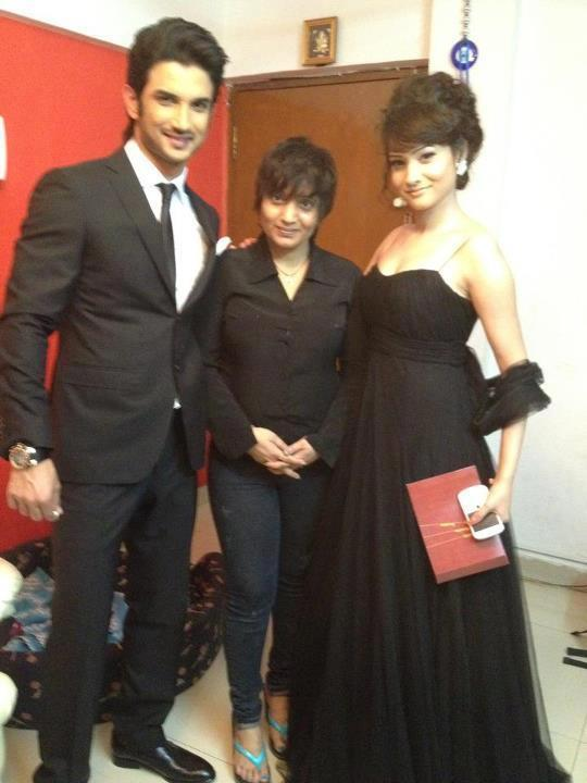 Sushant With Girlfriend Ankita At Kai Po Che Premiere Show Event