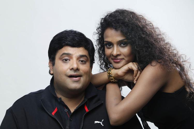 Krishnudu And Sonia  Cute Look Photo Still From Movie Mr Manmadha