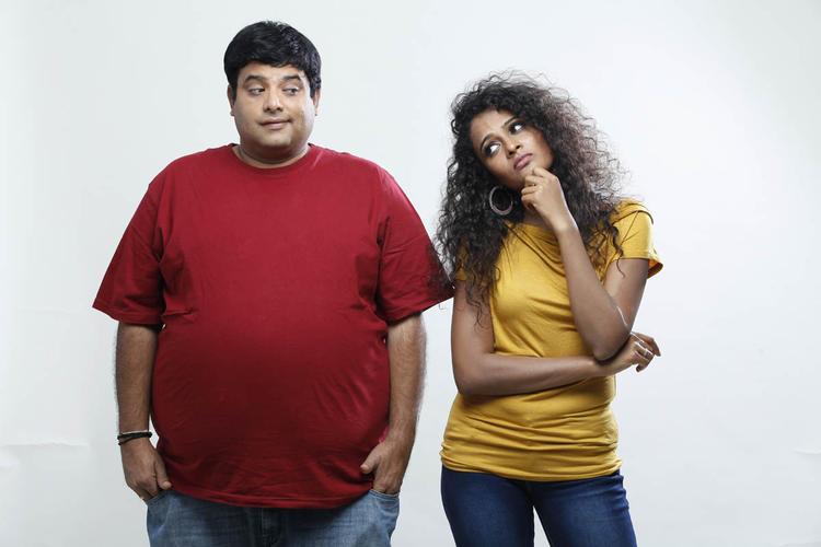 Krishnudu And Sonia Stunning Look Photo Still From Movie Mr Manmadha