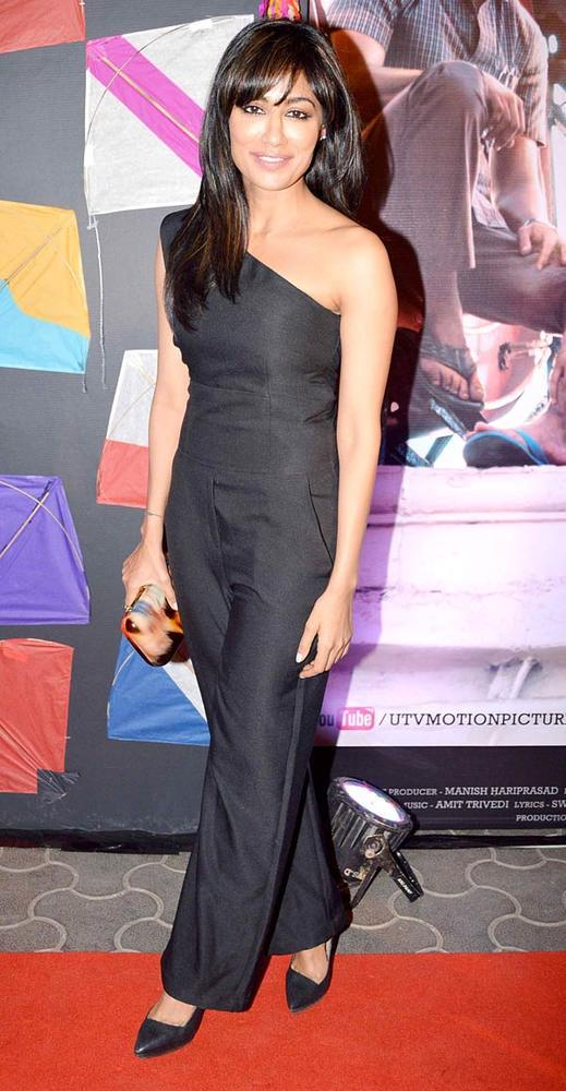 Chitrangada Looked Gorgeous In A Black Gown At Kai Po Che Premiere Show Event
