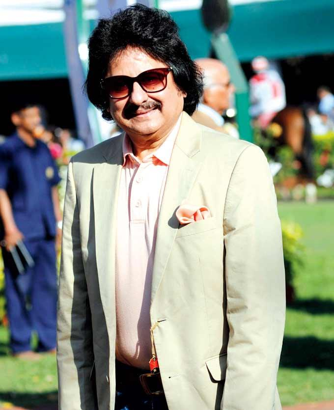 Pankaj Udhas Stylish Pose At The G2 Gold Cup Race Event