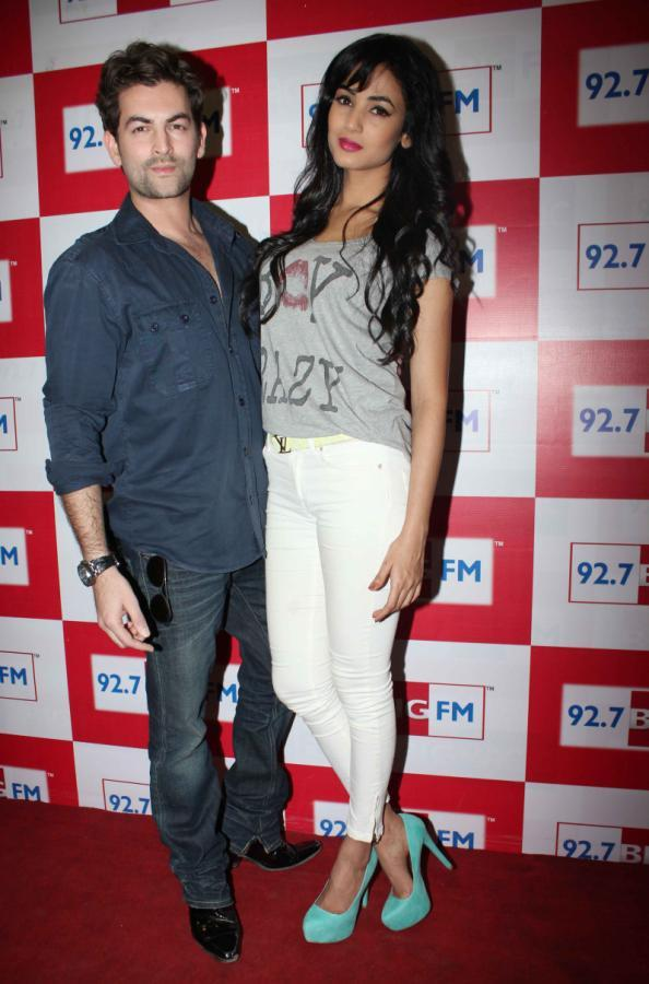 Neil Nitin And Sonal Cosy Photo Pose At 92.7 FM Radio During Launch Of 3G Movie Music