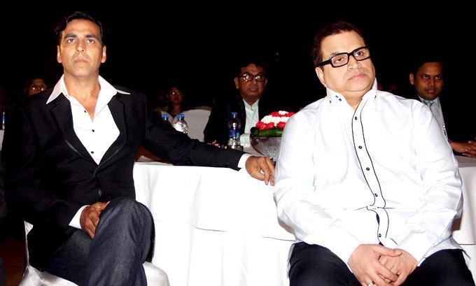 Akshay And Ramesh Enjoy The Show Photo Clicked At IMC Fusion 2013 Awards