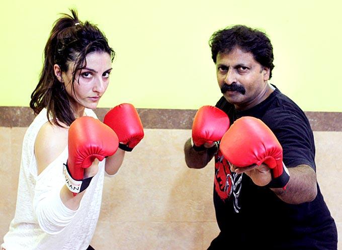 Soha With Yajness At Yajness Shetty's Self Defence Class