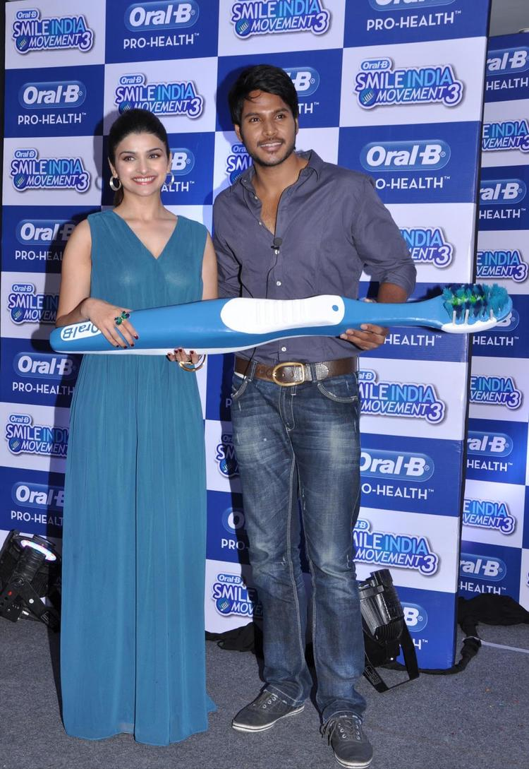 Prachi And Sundeep Posed At Oral B Smile India Movement 2013
