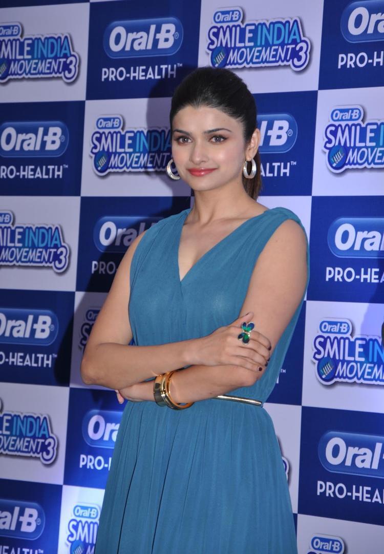 Prachi Desai Dazzling Look At Oral B Smile India Movement 2013