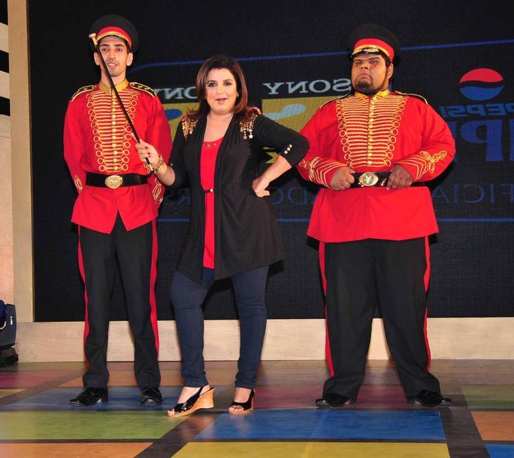Farah Khan Nice Pose At Sony MAX IPL Press Conference 2013