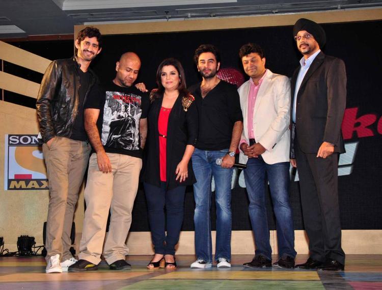 Gourav,Vishal,Farah And Shekhar Posed For Camera During The Sony MAX IPL Press Conference 2013