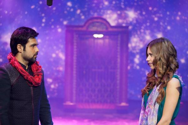 Emraan Hashmi And Kalki Koechlin Nice Look Still From Ek Thi Daayan Movie