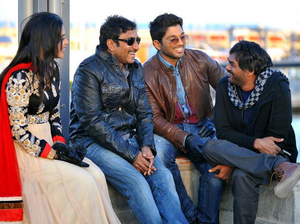 Amala Paul,Allu Arjun And Jr. NTR Cool Chatting On The Shooting Sets In Spain