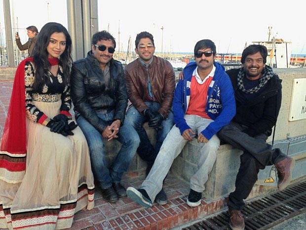Amala Paul,Allu Arjun And Jr. NTR Posed On The Shooting Sets In Spain