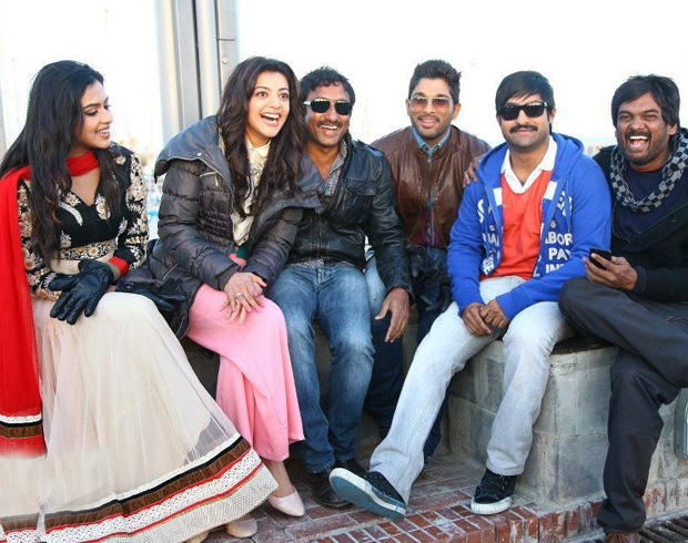 Amala,Kajal,Allu And Jr. NTR Cool Posed For Camera On The Shooting Sets In Spain