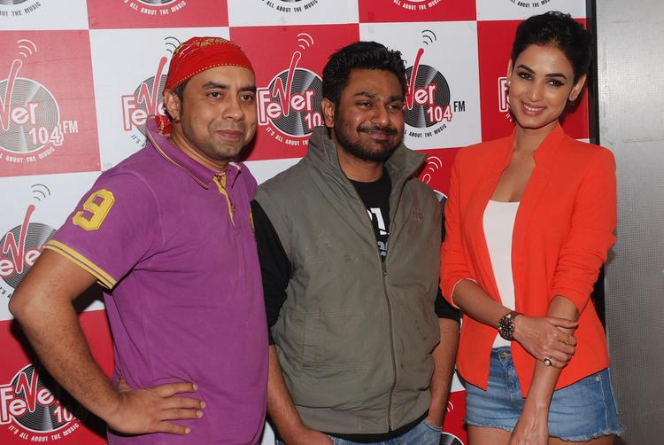 Sonal Chauhan Promotes 3G Movie At Fever 104 FM